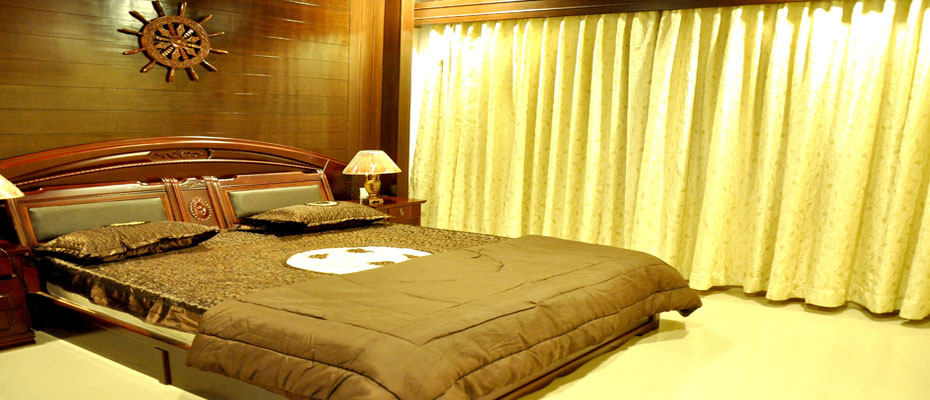 Hotel Sharada International Sai Kutir Suite Bed Room